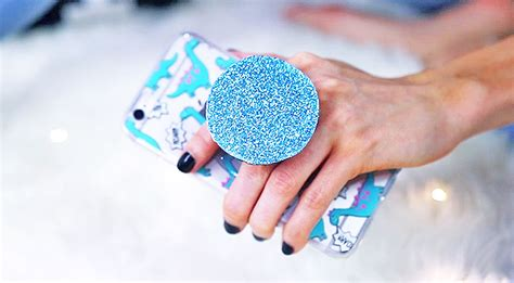Never Drop Your Phone Again With This DIY Pop Socket