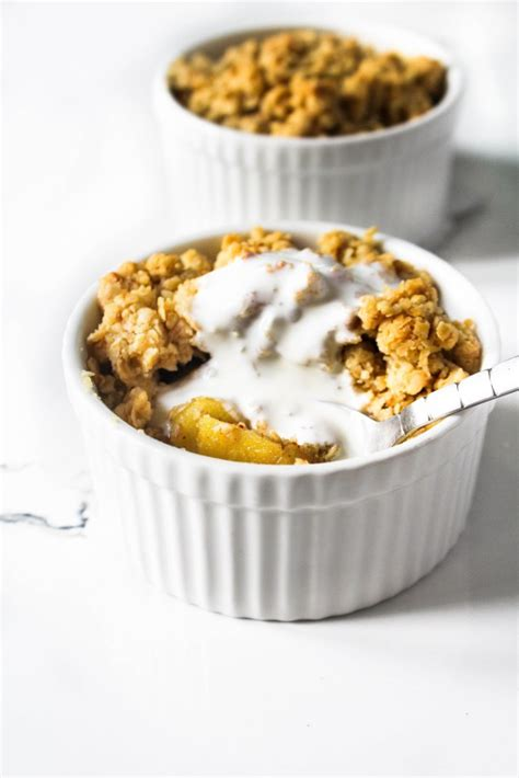 Small Batch Apple Crumble for Two - The Twin Cooking