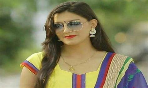 Sapna Chaudhary Denied Joining Congress Party - Vote India