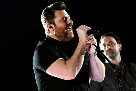 Chris Young Announces Third Annual 'Cast For A Cure