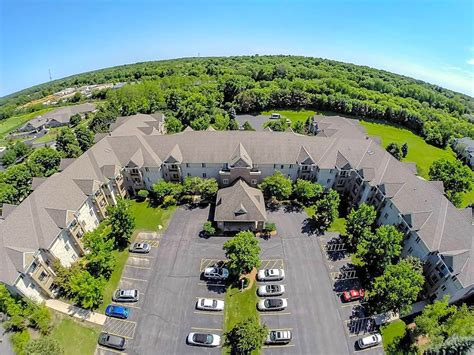 Willow Brook Court Apartments - Brookfield, WI 53045