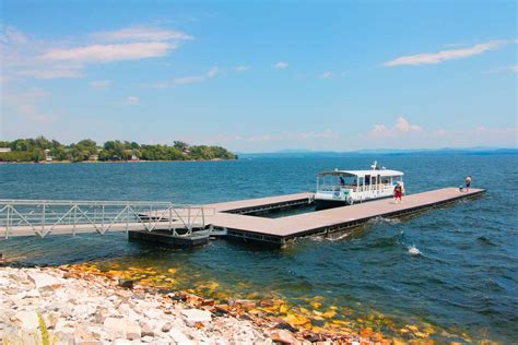 Steel truss floating docks designed for commercial and