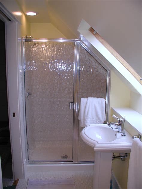 Make a small bathroom work for you | Rose Construction Inc